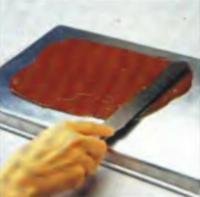 Шаг 4. Укладка шоколадного слоя