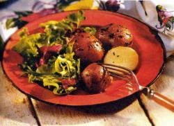 Фото готового красного картофеля