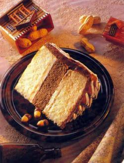 Фото готового орехового торта