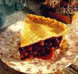 Фото готового пирога с ягодами