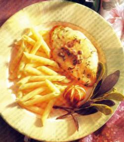 Фото готовой курицы с марсалой