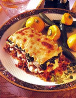 Фото готовой лазаньи со шпинатом
