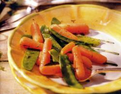Фото готовой моркови с горошком