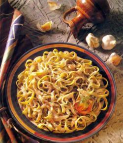 Фото готовой шпинатно-чесночной лапши