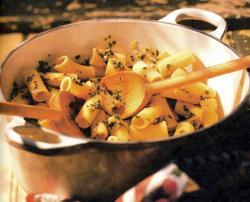 Фото готовых макарон с соусом «Песто»