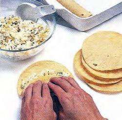 Как начинить тортильи