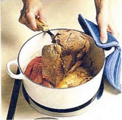 Как обжарить мясо для жаркого
