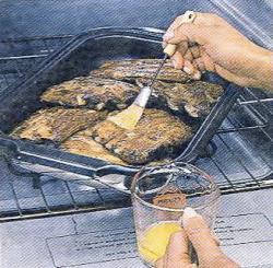 Как смазать ребрышки соусом