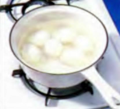 Шаг 1. Варка яиц