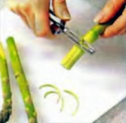 Шаг 2. Очистка концов стеблей