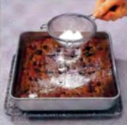 Шаг 6. Оформление сахарной пудрой
