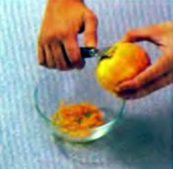 Шаг 7. Удаление цедры с апельсина