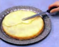 Шаг 7. Укладка сладкого наполнителя