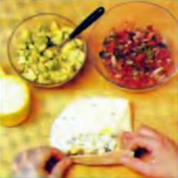 Шаг 9. Сворачивание буррито