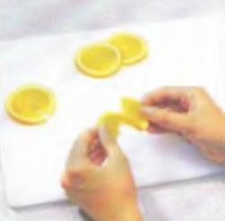 Украшение: Изготовление апельсиновых вееров